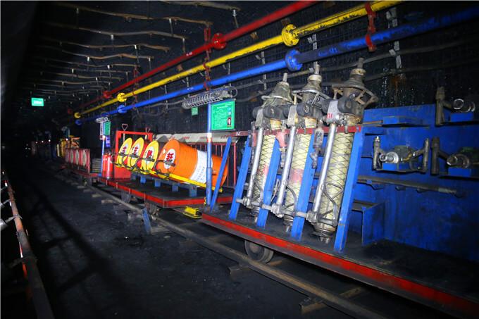 蒋庄煤矿全方位提升机电设备管理水平